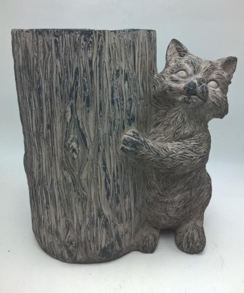 Katze neben dem Baum (B/T/H) 38x23x41cm